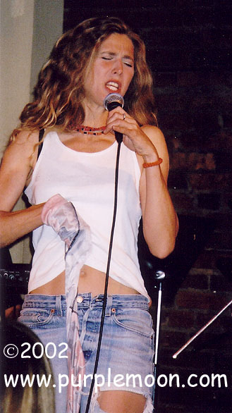Sophie B. Hawkins Pictures - The Point - Bryn Mawr, PA - 9/7/02